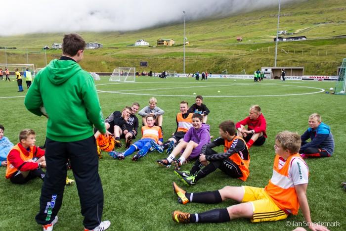 Allan hjálparvenjari hjá U17 landsliðnum